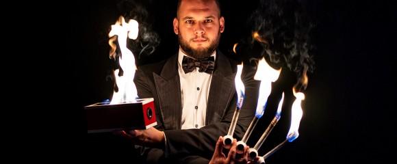 Djuliao The Classic Magician